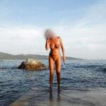 Elodie, mature chaudasse naturiste 9