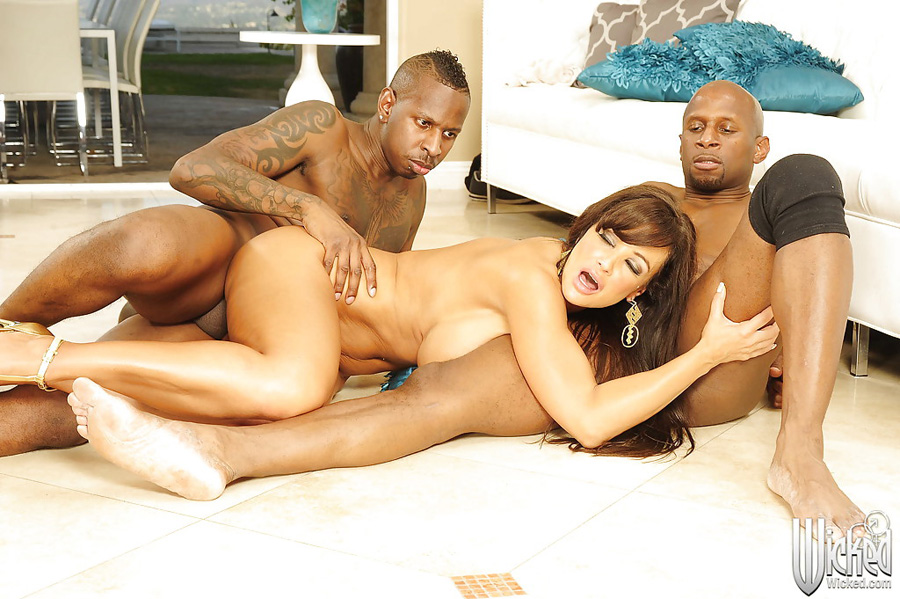 Gangbang interracial Lisa Ann Wicked 5