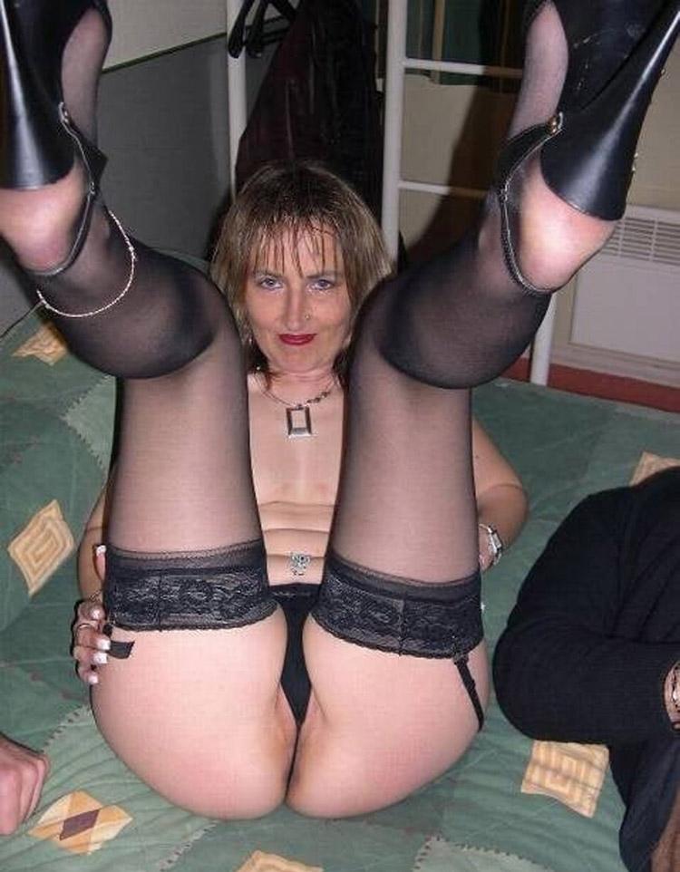 Mathilde trou à bites gangbang 31