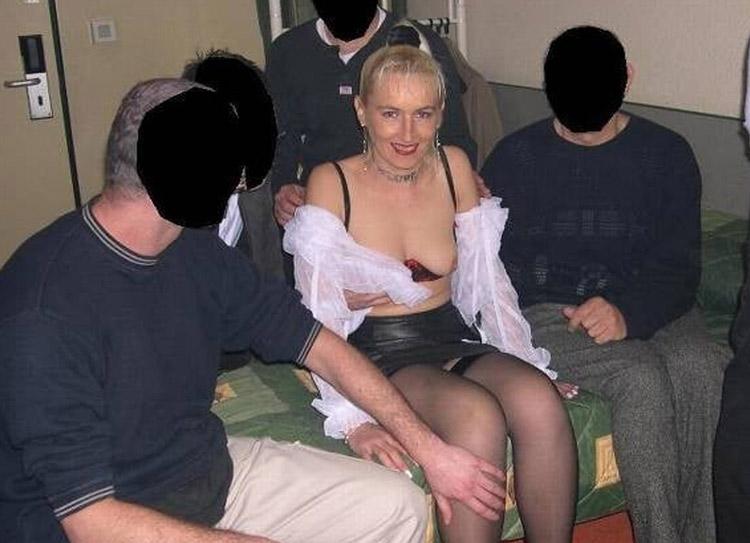 Mathilde trou à bites gangbang 33