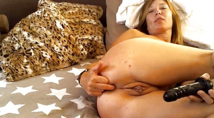 Masturbation de belle cougar Lille 7