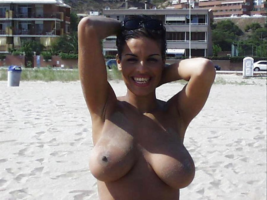 Ravissante cougar gros seins